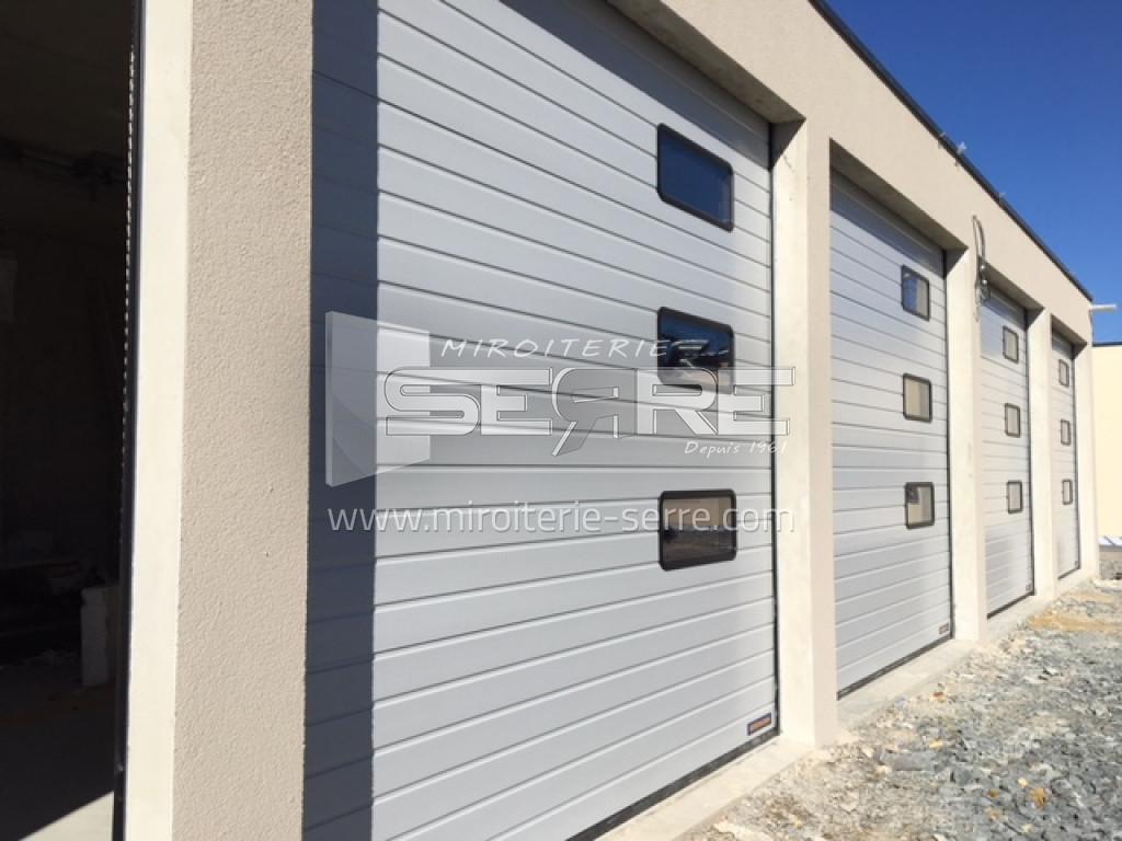 Etude et fabrication porte de garage miroiterie serre - Encadrement porte de garage ...