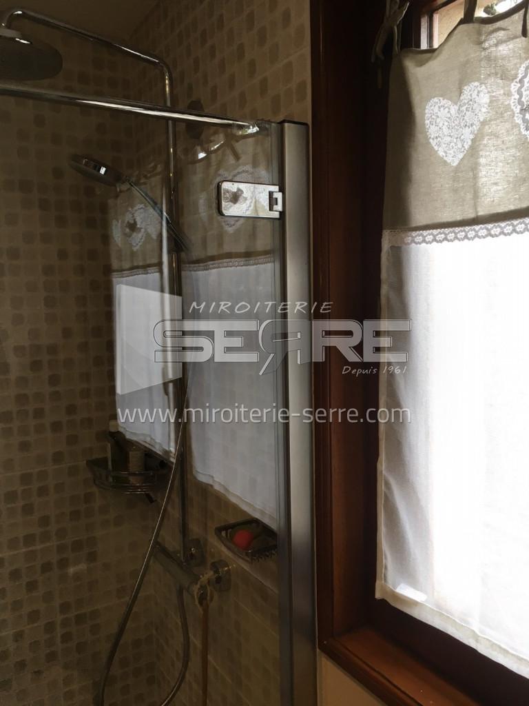 etude et fabrication r alisation d 39 un pare douche avec porte de douche belleville miroiterie. Black Bedroom Furniture Sets. Home Design Ideas