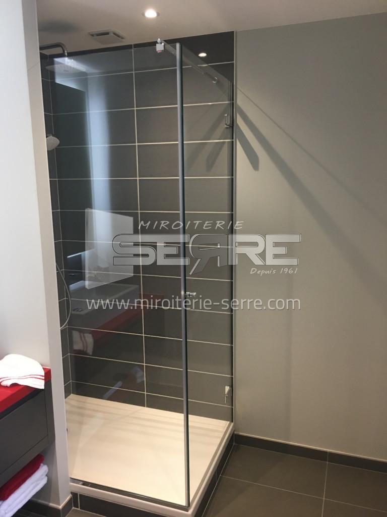 Porte et paroi de douches sur mesure etude fabrication - Paroi de douche en verre sur mesure ...