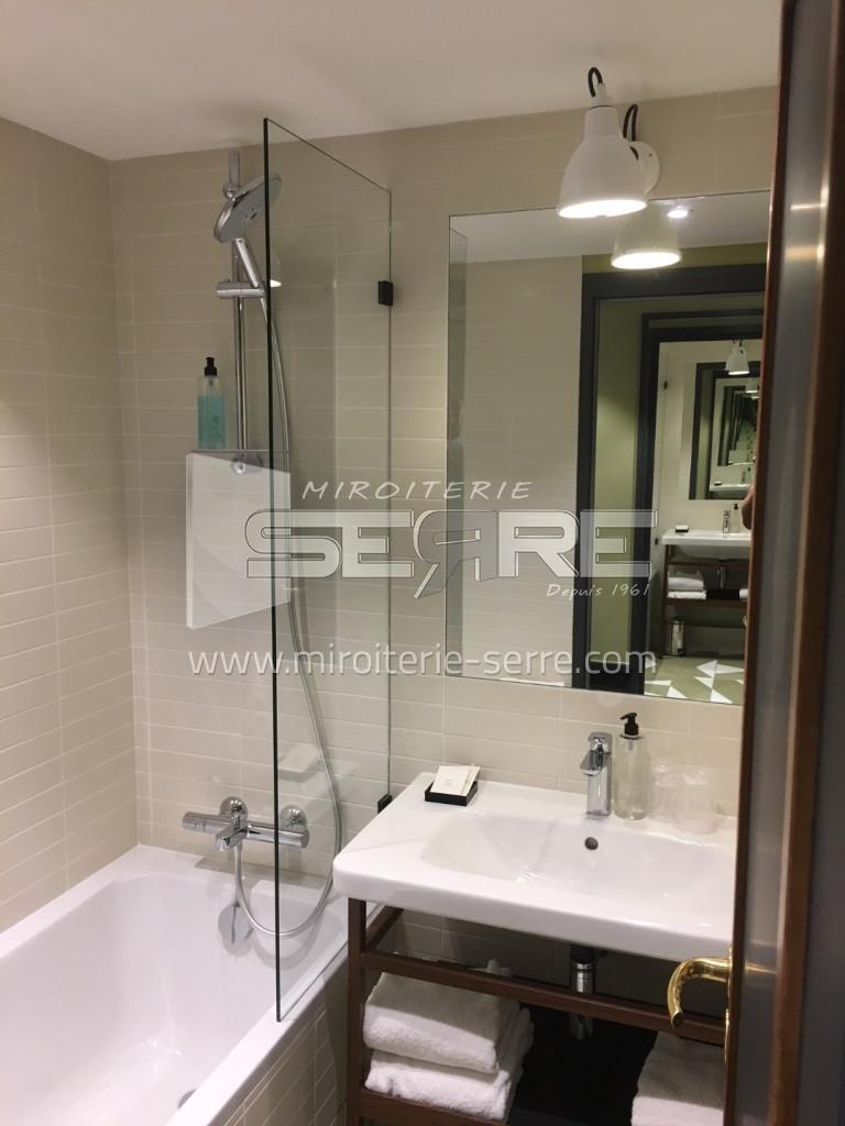 etude et fabrication miroir salle de bain lyon miroiterie serre. Black Bedroom Furniture Sets. Home Design Ideas