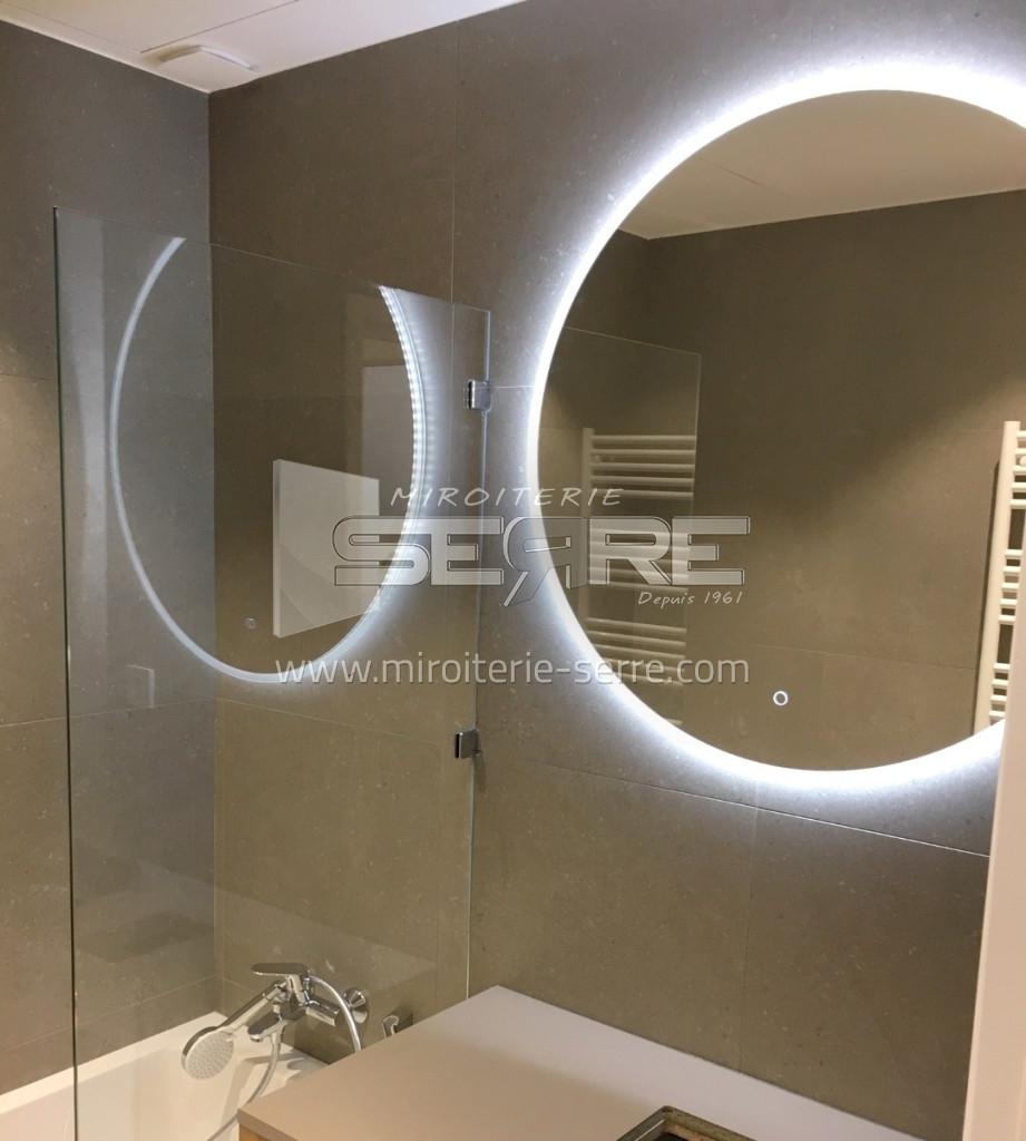 Etude et fabrication Miroir rond lumineux led à Lyon (20